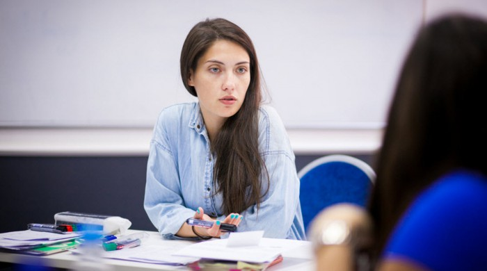 Estudiante en clase de ruso