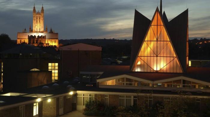 Escuela de ingles Canterbury University