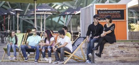 Grupo de estudiantes en Melbourne