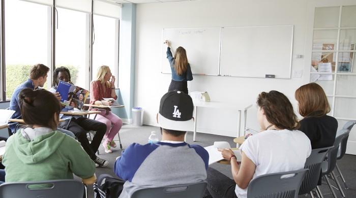 Profesores dando clases de Inglés