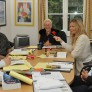 ejecutivos estudiando en gales