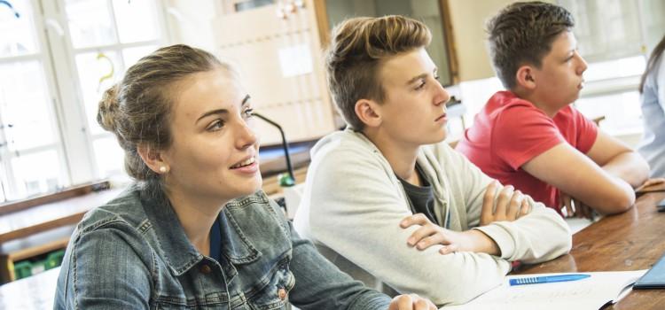 cursos especializados para jóvenes en Inglaterra