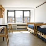 alojamiento en campus para jovenes en Brooklyn