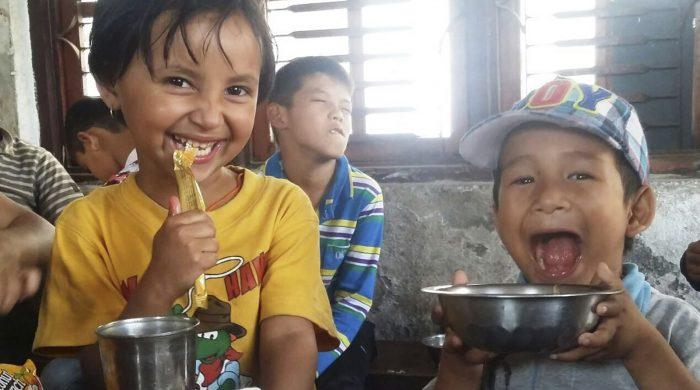 Voluntariado_cuidado_niños_Sri_Lanka